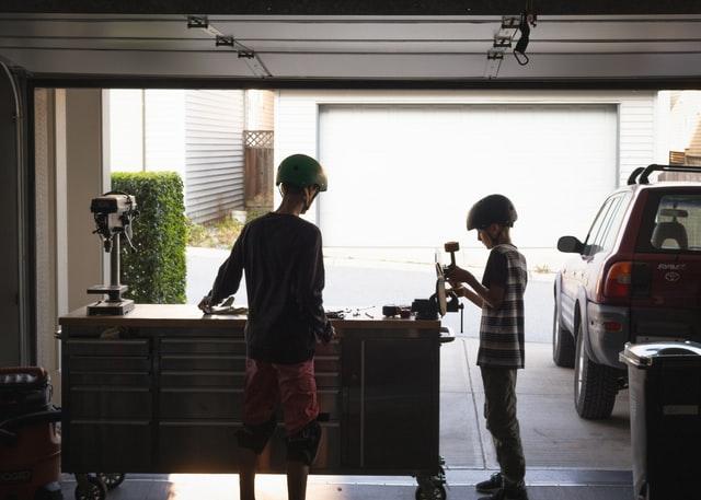 nearest garage doors repair locations